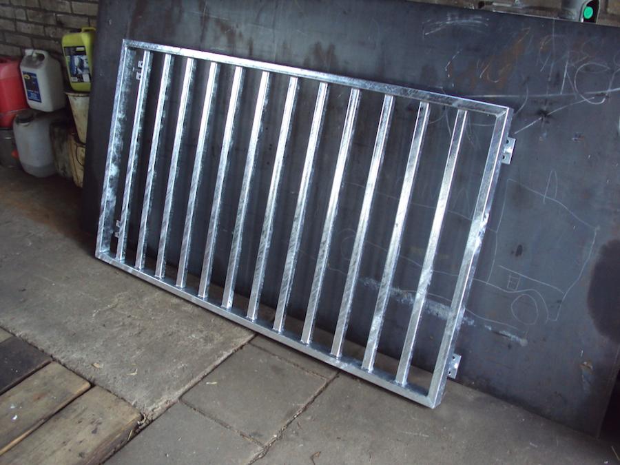 Balkonhek staal verzinkt