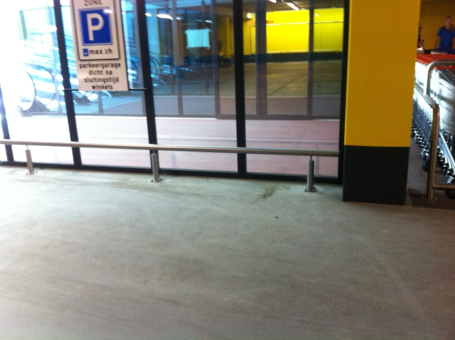 Doorrijbeveiliging RVS parkeergarage