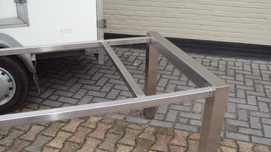 Frame tafel RVS